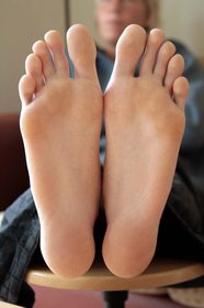 Pregnancy 'permanently alters foot size&#39