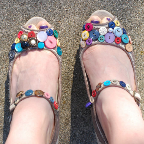 Croc Shoe Decorations Customize Your Own Shoes 6 Ways To Decorate Shoes With Fun Bling