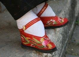 Women's High Heel Shoes Lead To Same Problems As Foot Binding In China