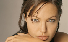 angelina-jolie-face-photo-by-indoloony.jpg